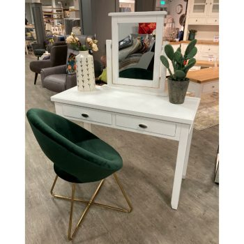 alaska dressing table